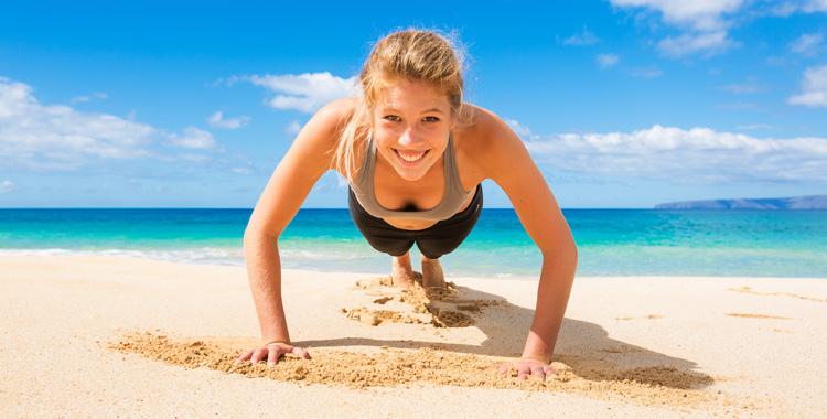 Die Oberarme fit für den Sommer machen – Übungen